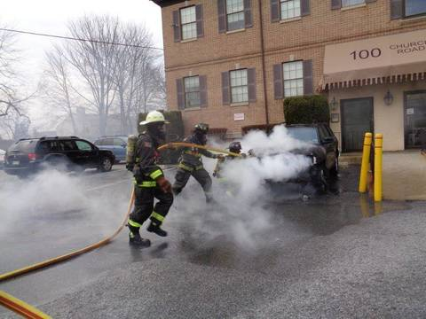 Top story 00c3846b58e04cf484a1 adrmore battles car at building 100 chuch rd. three