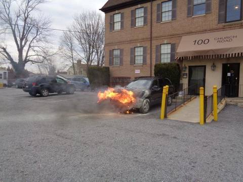 Top story af9004c21a92c4280ecf adrmore battles car at building 100 chuch rd. two