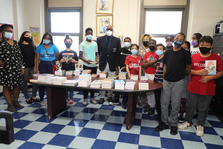 Plainfield Middle School Students Receive the Gift of Reading