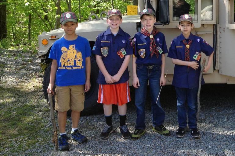 Aidan and Cubs at Humvee.JPG