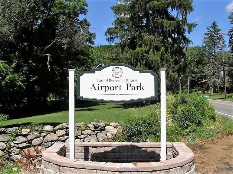 airport park (002).jpg