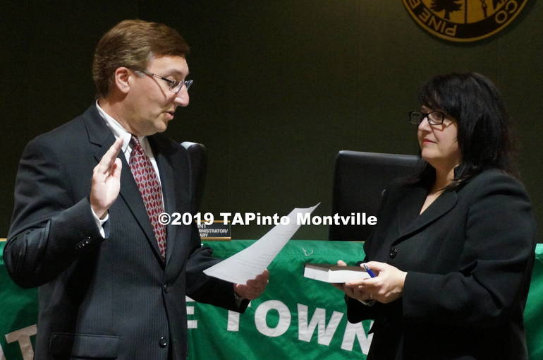 a Michael Rappaport is sworn in ©2019 TAPinto Montville.JPG