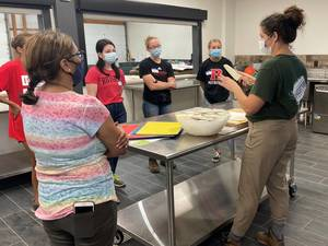 America's Grow-a-Row Hosts Rutgers Interns for Culinary Workshop