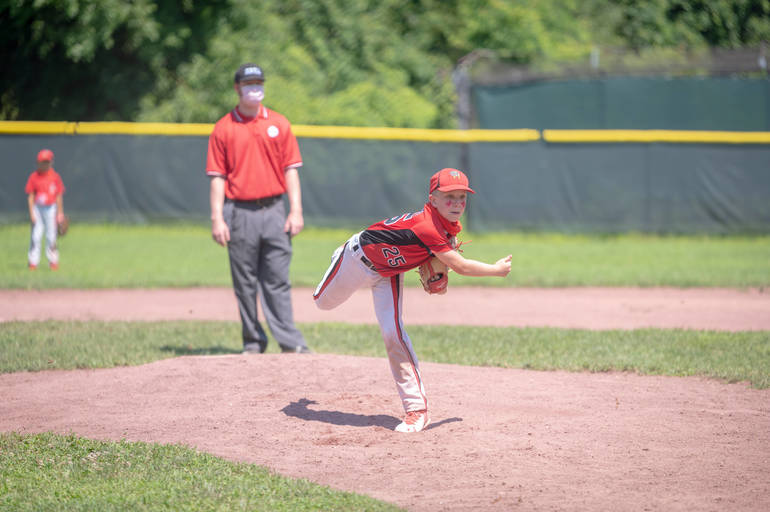 Andrew Cafaldo pitching in the 5th inning.JPG