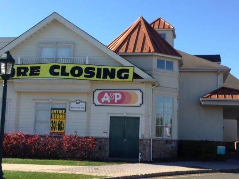 A&P Supermarket closing