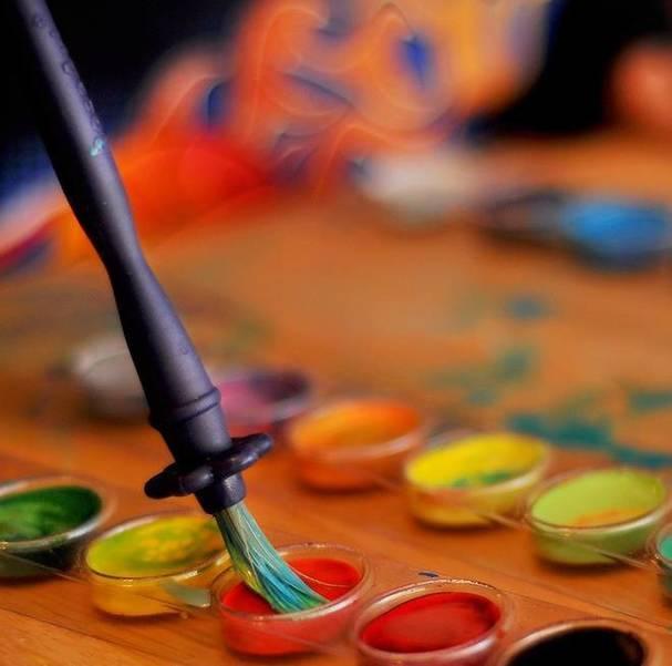 Artist-brush-and-paint.jpg
