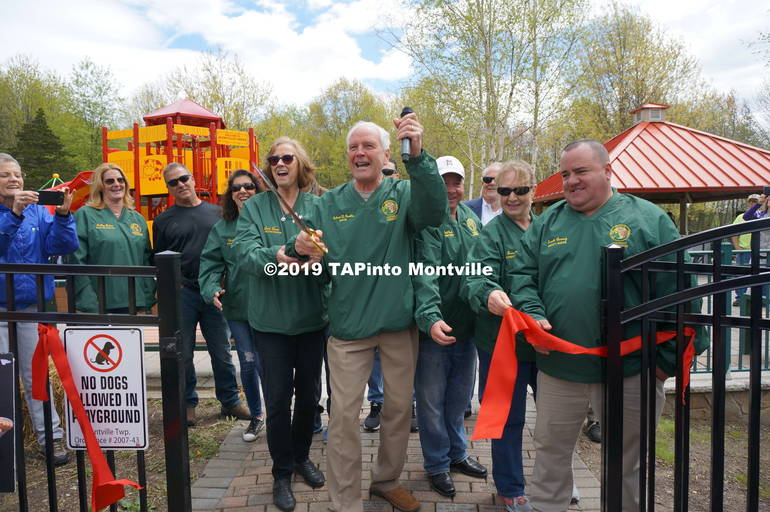 a Ribbon cutting ©2019 TAPinto Montville.JPG