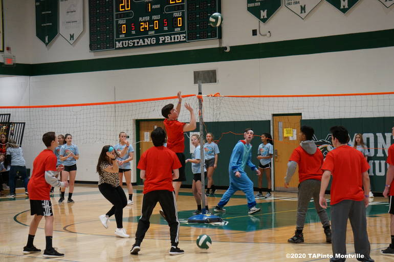 a Stitch plays the Incredibles at the 2020 Volleyball Marathon.JPG