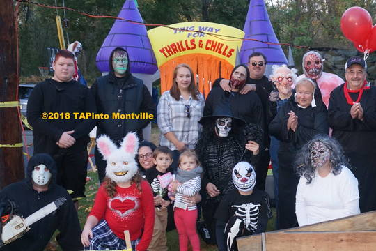 Top story 130e63059ac5314fc666 a stefan krysyna  left  and family at his hayride  2018 tapinto montville