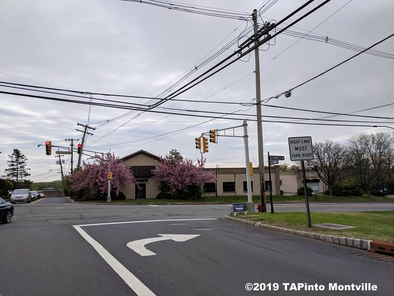 a The corner of Bloomfield and Changebridge ©2019 TAPInto Montville.jpg