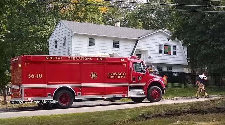 a Towaco Volunteer Fire Department responds to an oil spill ©2020 TAPinto Montville    2.jpg