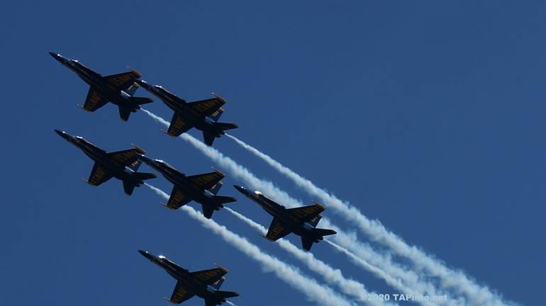 a The U.S. Navy Blue Angels.JPG
