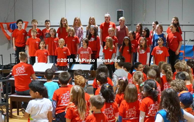 a The choir sings patriotic songs.JPG