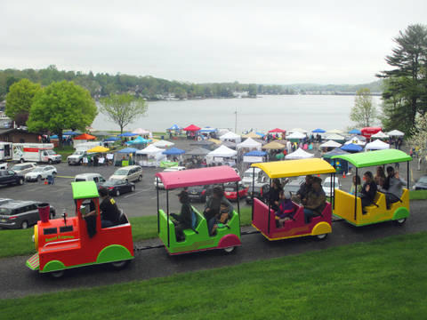 Top story d3319412708ea65b2dd4 a trackless train chugged through hopatcong state park  providing riders with a great view of the 5th annual lake hopatcong block party