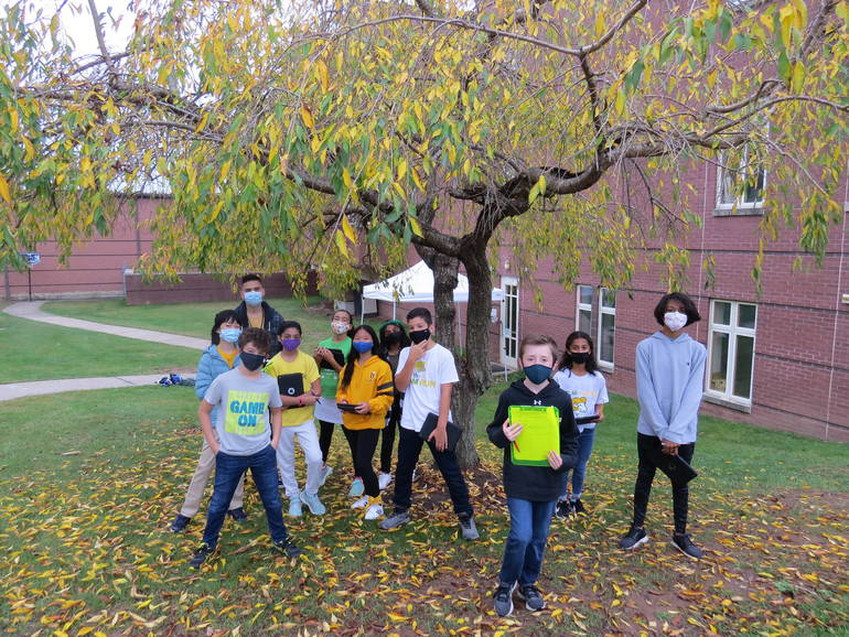 Wardlaw+Hartridge Sixth Graders  Explore Outdoors in Autumn Festival