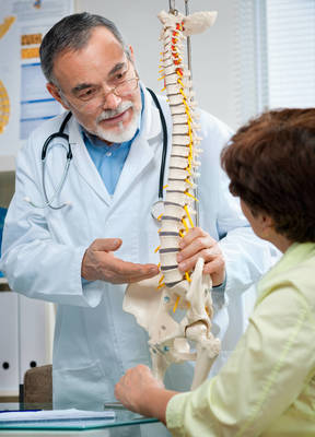 Carousel_image_e6cac88eac84692bb529_b2h-chiropractic-care-spine-210531