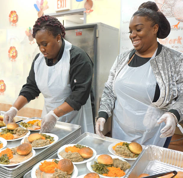 Paterson's Oasis Gathers Women and Children for Thanksgiving Meal
