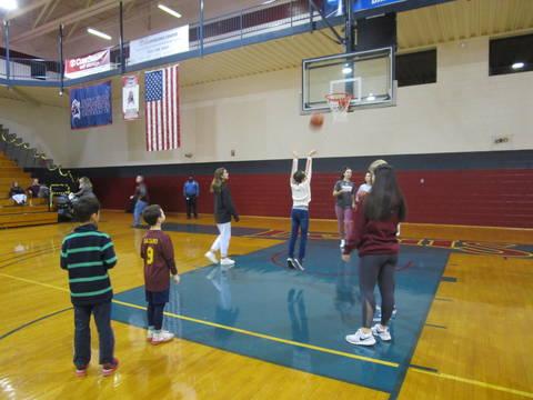 Top story 75ebae38fb2702e00ead bc shooting hoops