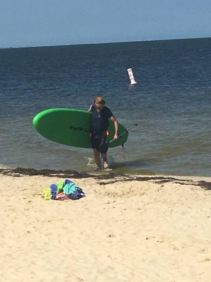 beach paddle board.jpg