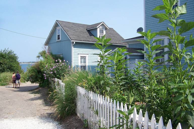 beach-house-292996_1920.jpg