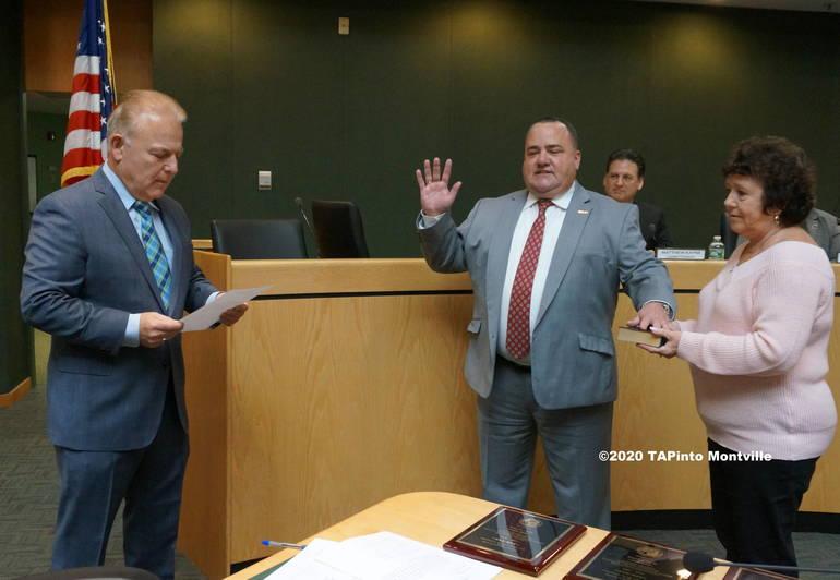 b Frank Cooney is sworn in by state Sen. J Pennacchio ©2020 TAPinto Montville.JPG