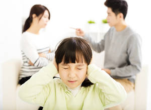 Carousel image 100798ecd8135ad8dc70 bigstock parents fighting and little gi 119146169
