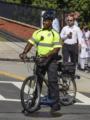Carousel image ea4b1ec83a23fe16bf20 bike cop tim green