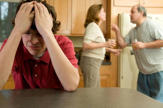 Top story fee19c339b2f8999e0c6 bigstock parents fight son suffers 4562487