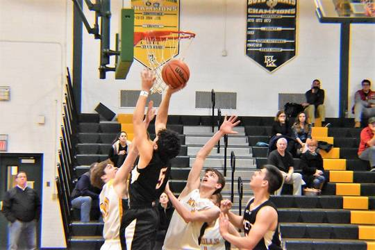 Top story 067b1af5c77b4f1c301a boys basketball 02.02192018