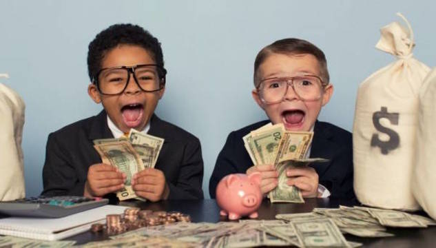 Top story 6071048cdb6145b7d73a boys with money 600x420