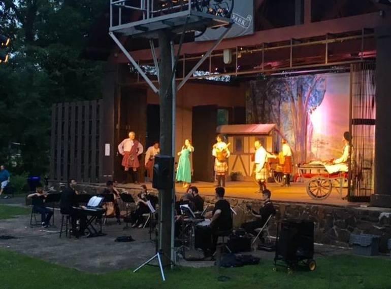 Brigadoon performers