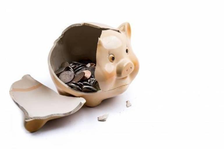 broken-piggy-bank-1472485086TZz.jpg
