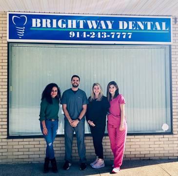 Top story f8630a5f98ac5a6b69fa brightway dental staff photo