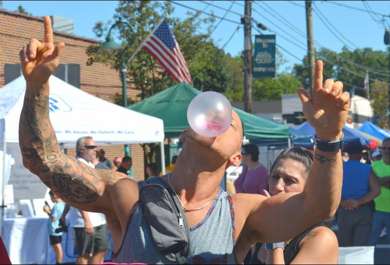 Bubble Gum Contest.png