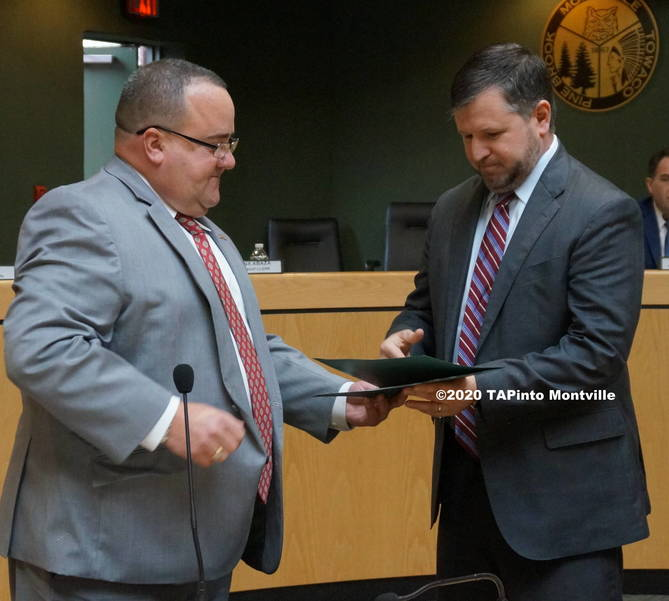b Vincent Failla is honored by the committee ©2020 TAPinto Montville.JPG