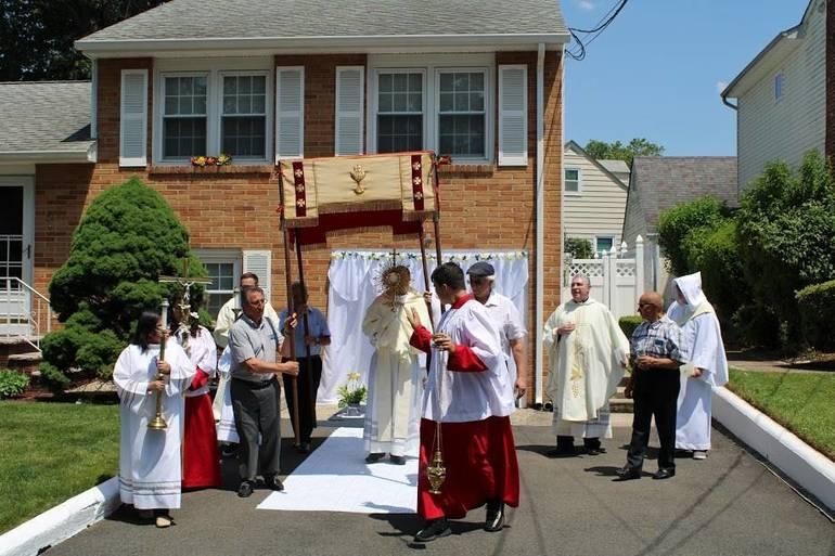 Photo Gallery: Kenilworth's Corpus Christi Procession