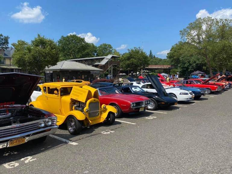 Classic car show and food drive at the Fanwood train station.