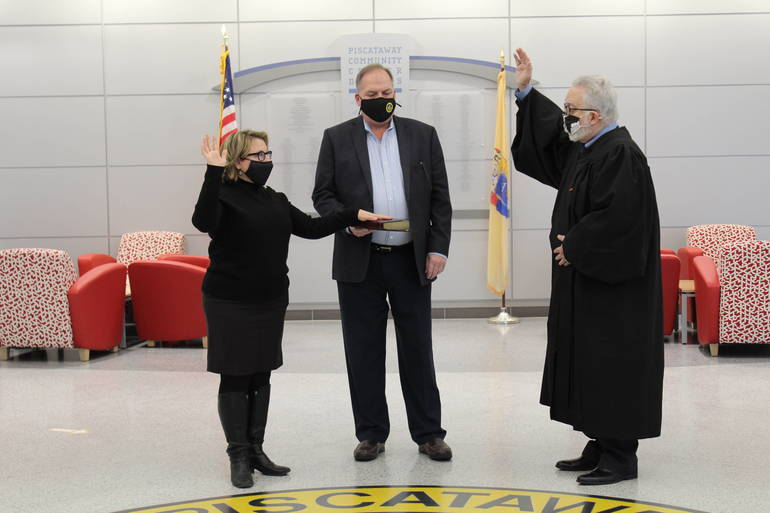 Piscataway Mayor, Council Members Take Oaths of Office to Begin New Terms