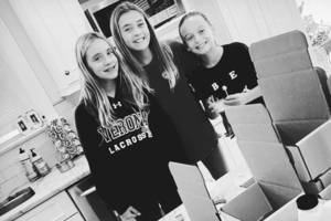 Local Middle School Entrepreneurs Launch New Candle Business