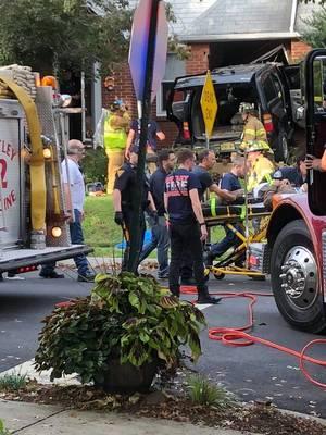 Carousel image dac25e1f5fec859a384e car crash oct 9 2018 d