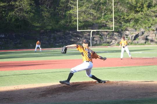 Top story 57ef1704828fd93be03b calhoun pitching at weehawken from george f
