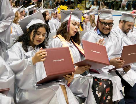 Top story 55a4277ec1a9abc90f98 ccm graduation