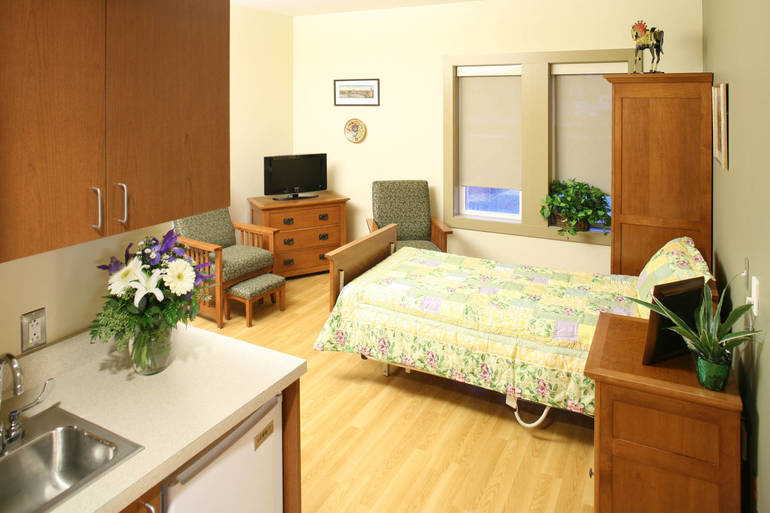 Center for Hope Hospice - patient room.jpg
