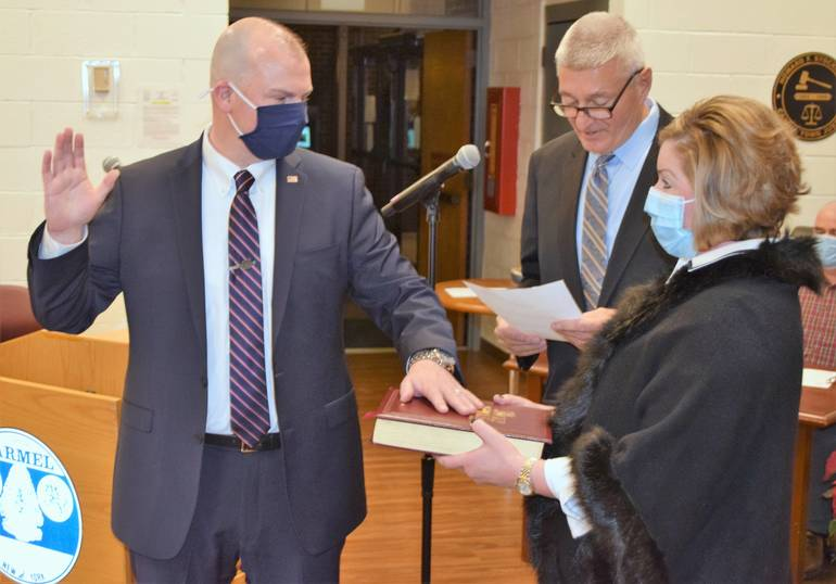Town Board Hires New Chief of Police