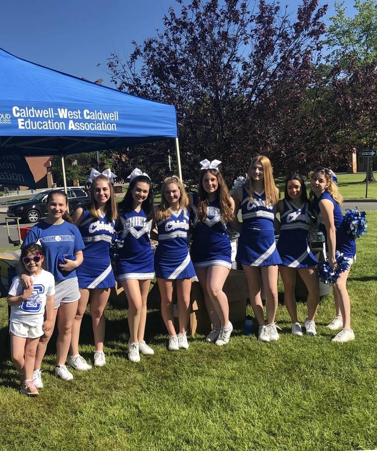 chiefs cheerleaders.jpg