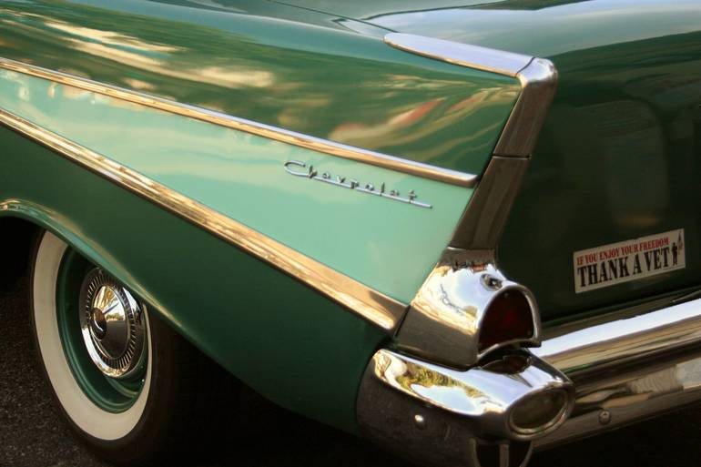 Chevrolet ~ Classic Details In Green.jpg