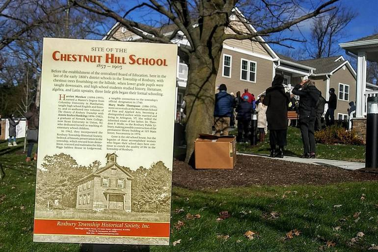 Chestnut Hill School in Succasunna Plaque.jpg