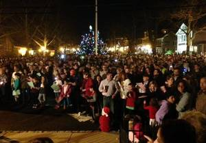 Carousel image 368933cbef1bc062a484 christmaseve15crowd
