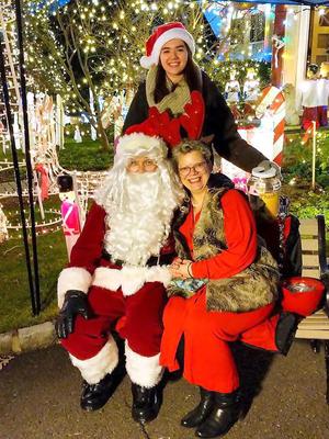 Carousel image 37cf1ceaf0af1f258027 christmas house 2018 santa