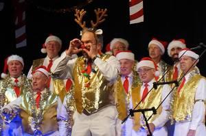 Carousel image 4ed3ce5691a739890664 chorus of the atlantic   holiday show 2017